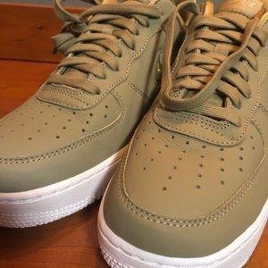 size 40 dc6b4 95126 Nike Shoes - Nike Womens 9.5 Olive AIR FORCE 1  07 Premium LX